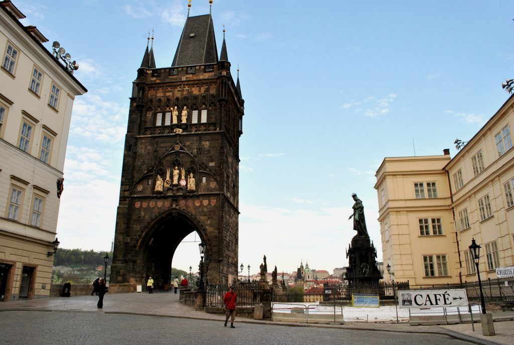 8_of_10_-_Charles_Bridge,_PRAGUE