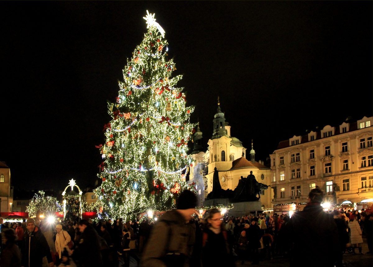 Christmas tree light up in Prague will be special again!